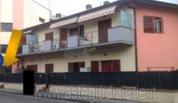 Appartamento in vendita a Campi Bisenzio, San Martino, Con giardino, 49 mq