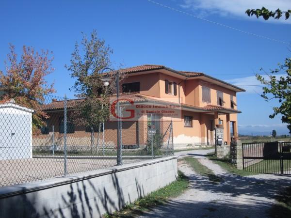Casa indipendente in vendita a Vicopisano, Con giardino, 335 mq - Foto 1