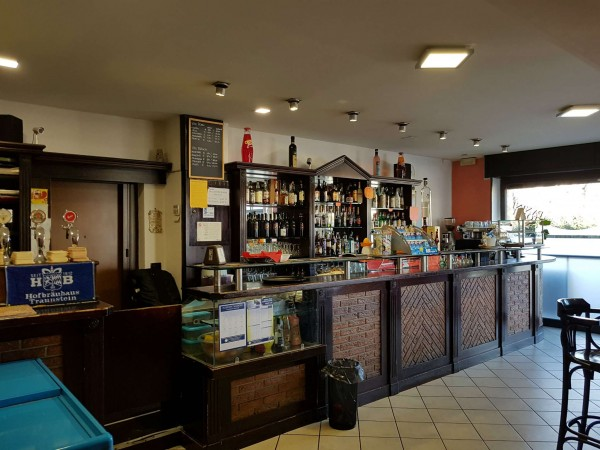 Locale Commerciale  in vendita a Tradate, Arredato, 100 mq