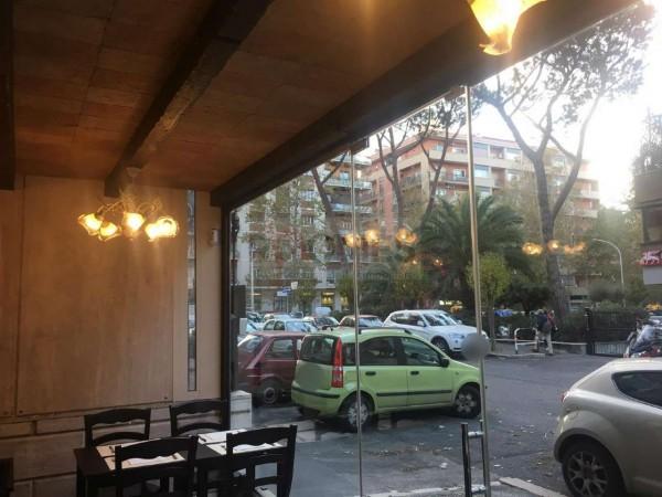 Locale Commerciale  in vendita a Roma, Appio Claudio, Arredato, 115 mq