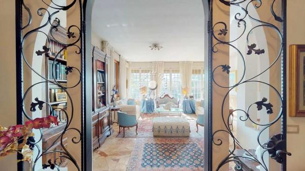 Appartamento in vendita a Firenze, 270 mq