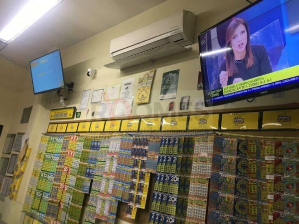 Locale Commerciale  in vendita a Roma, Appio Claudio, Arredato, 50 mq - Foto 18