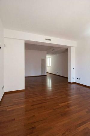Appartamento in vendita a Taranto, Centrale, 150 mq
