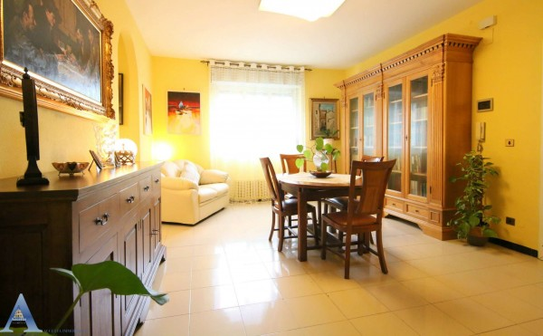 Appartamento in vendita a Taranto, 4 - Solito, Corvisea, Taranto 2, Salinella, Con giardino, 77 mq