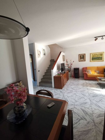 Villa in vendita a Casaletto Vaprio, Residenziale, Con giardino, 165 mq
