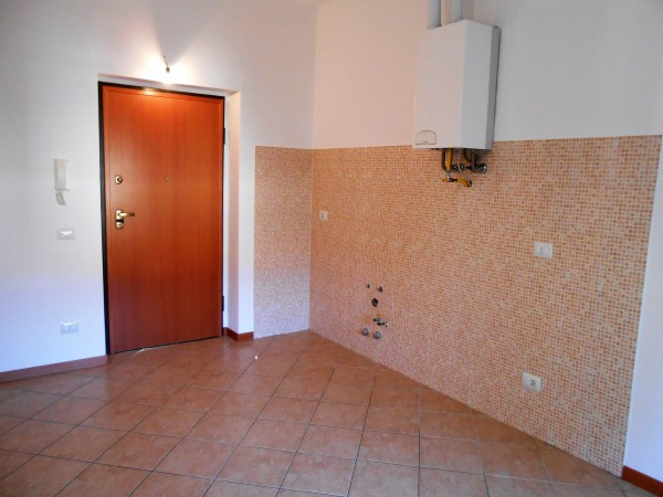 Appartamento in vendita a Cornate d'Adda, Centro, 50 mq