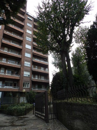Appartamento in vendita a Seregno, Centro, Con giardino, 135 mq