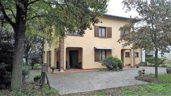 Casa indipendente in vendita a Crevalcore, Con giardino, 193 mq