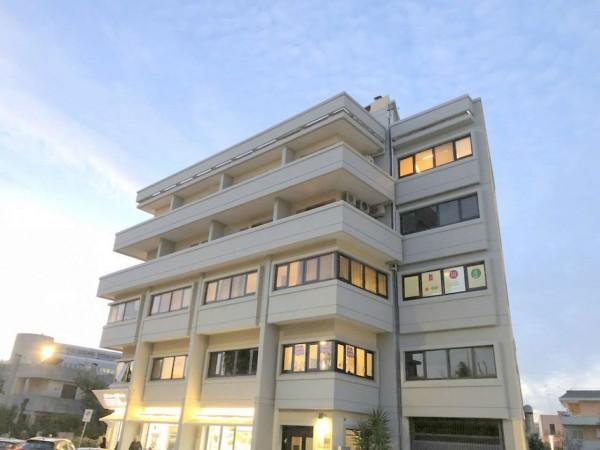 Appartamento in vendita a Lecce, C/o Viale Giacomo Leopardi, Arredato, 65 mq