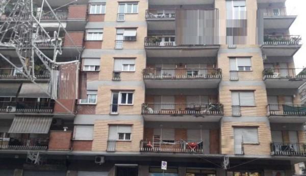 Appartamento in vendita a Roma, 69 mq