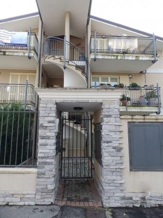 Appartamento in vendita a Giussano, Con giardino, 42 mq