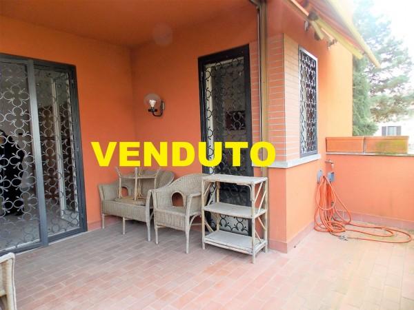 Appartamento in vendita a Locate di Triulzi, Via Moro Basso, Con giardino, 95 mq
