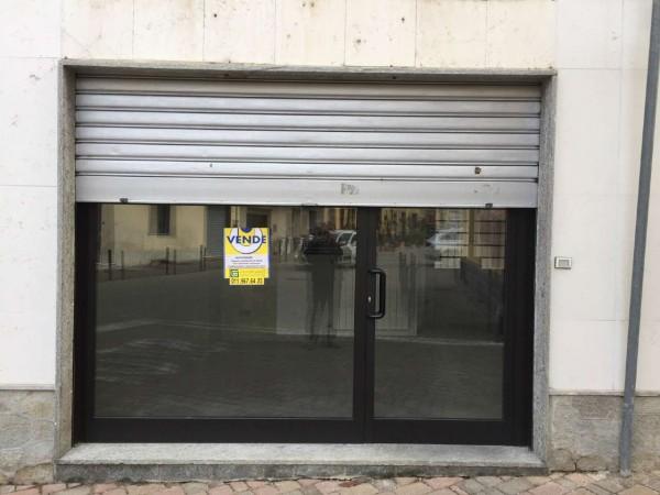 Locale Commerciale  in vendita a Alpignano, Centro, 65 mq