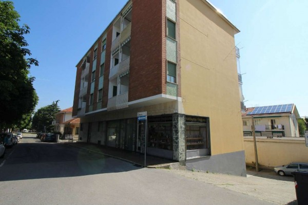 Appartamento in vendita a Alpignano, Centro, 60 mq