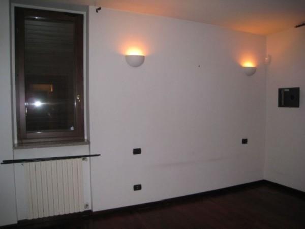 Appartamento in affitto a Peschiera Borromeo, 70 mq