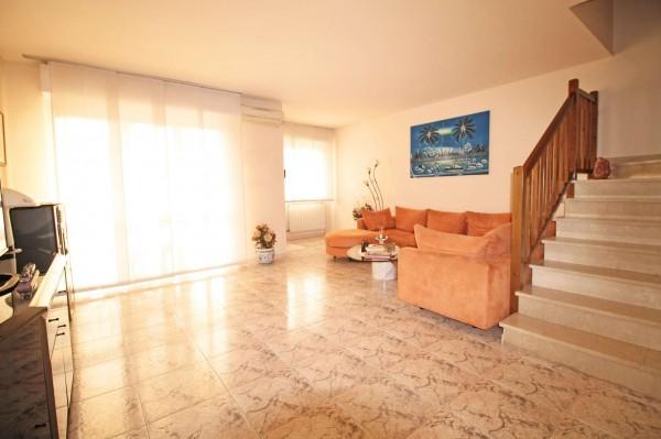 Villa in vendita a Cassano d'Adda, Cristo Risorto, Con giardino, 166 mq