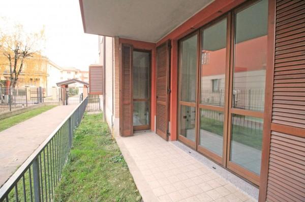 Appartamento in vendita a Cassano d'Adda, Mercato, Con giardino, 62 mq