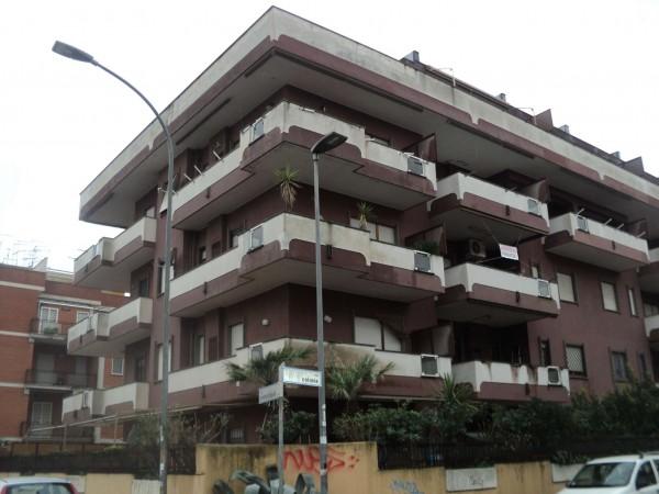 Appartamento in vendita a Pomezia, Arredato, con giardino, 85 mq