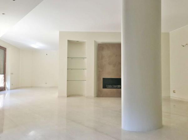 Appartamento in affitto a Milano, Cappuccio, Con giardino, 300 mq