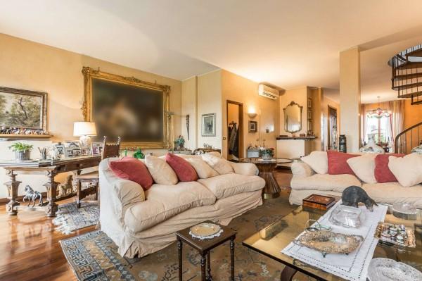 Appartamento in vendita a Monza, Parco, Con giardino, 275 mq