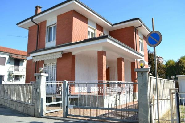 Casa indipendente in vendita a Beinasco, Centro, Con giardino, 160 mq