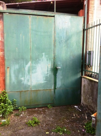 Locale Commerciale  in vendita a Genova, 40 mq