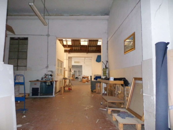 Locale Commerciale  in affitto a Forlì, Centro, 411 mq