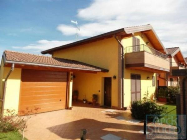 Villa in vendita a Cassano d'Adda, Villa Nuova, Con giardino, 133 mq