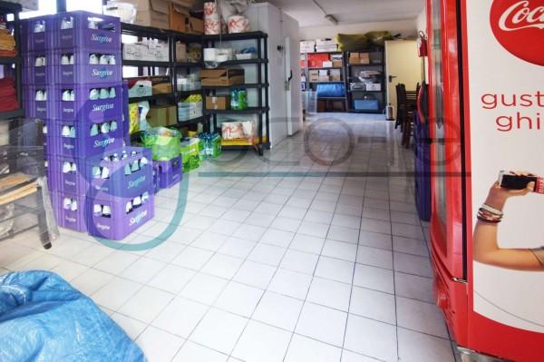 Locale Commerciale  in vendita a Parabiago, Arredato, 300 mq - Foto 10