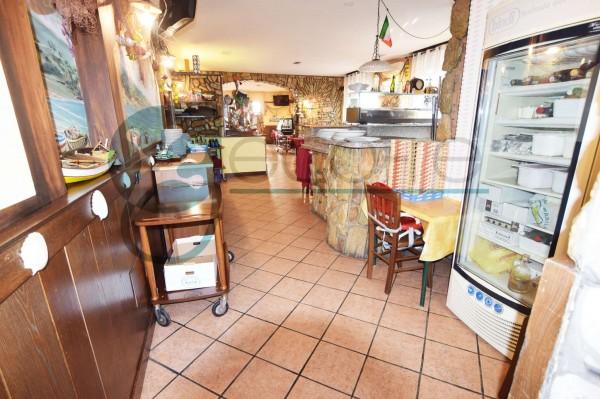 Locale Commerciale  in vendita a Parabiago, Arredato, 300 mq - Foto 15