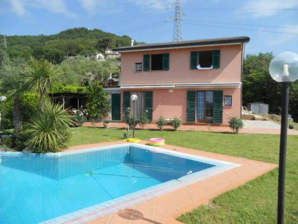 Villa in vendita a Rapallo, Savagna, Con giardino, 150 mq