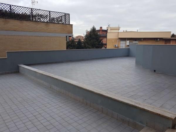 Appartamento in vendita a Roma, Casal Del Marmo, 65 mq