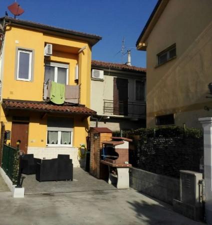 Casa indipendente in vendita a Alessandria, 80 mq