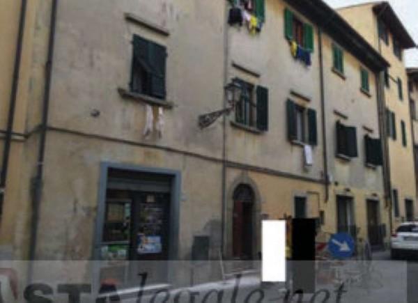Appartamento in vendita a Prato, Centro, 109 mq