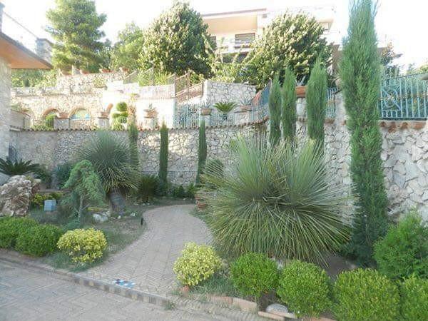 Immobile in vendita a Formia, Formia, Con giardino, 350 mq