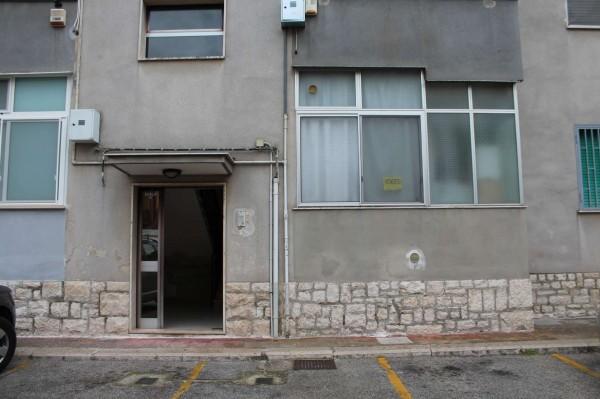 Appartamento in vendita a Triggiano, Con giardino, 85 mq