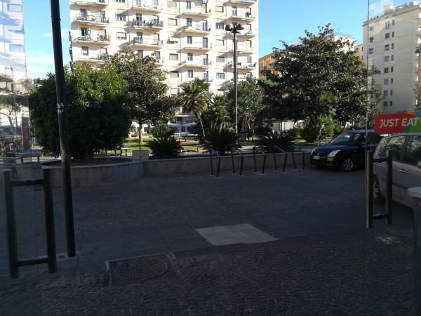 Locale Commerciale  in vendita a Napoli, Fuorigrotta, 60 mq