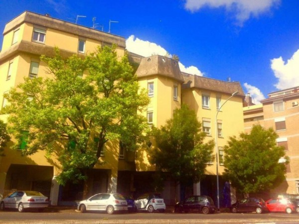 Appartamento in vendita a Roma, Piramide /ostiense, 110 mq