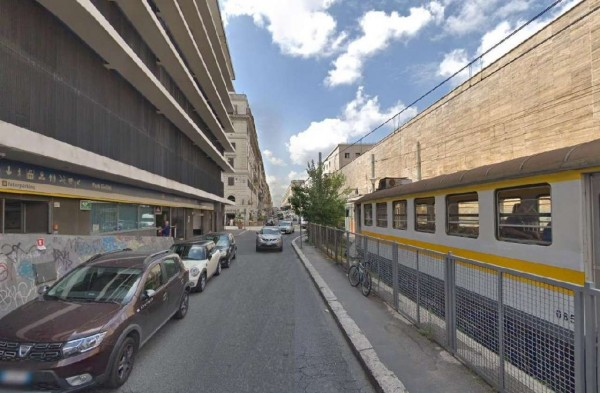 Negozio in vendita a Roma, Esquilino San Lorenzo, 60 mq