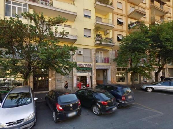 Negozio in vendita a Roma, Largo Preneste, 36 mq