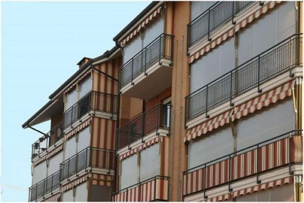Appartamento in vendita a Venaria Reale, Via Lanzo, Con giardino, 60 mq