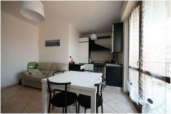 Appartamento in affitto a Venaria Reale, Via Lanzo, Arredato, con giardino, 60 mq