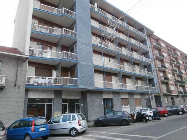 Appartamento in affitto a Moncalieri, Borgo San Pietro, 60 mq