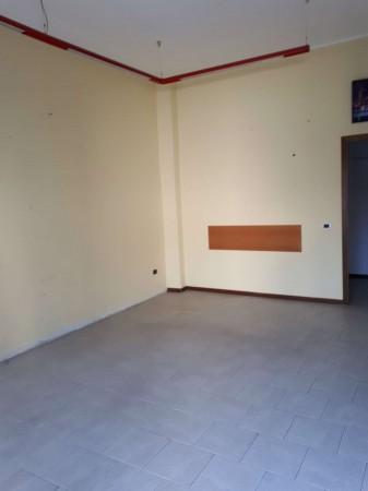 Negozio in affitto a Cesate, Stazione, 40 mq