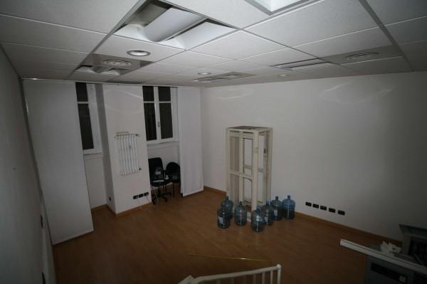 Ufficio in vendita a Milano, Missori, 25 mq