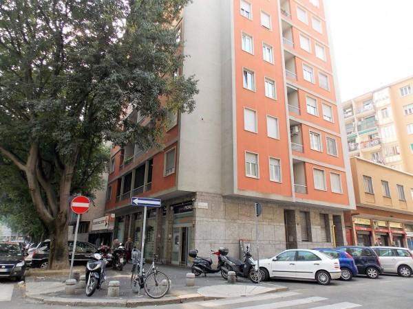 Locale Commerciale  in affitto a Milano, Piazza Napoli, 40 mq
