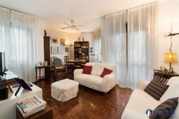 Appartamento in vendita a Milano, Con giardino, 150 mq