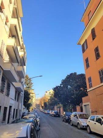 Negozio in vendita a Roma, Re Di Roma, 24 mq