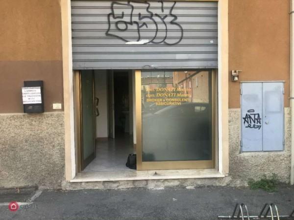 Negozio in affitto a Bologna, 30 mq