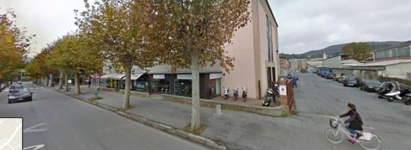 Locale Commerciale  in vendita a Busalla, 165 mq